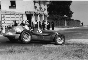 Fangio, França 1951 (foto: F1 History)