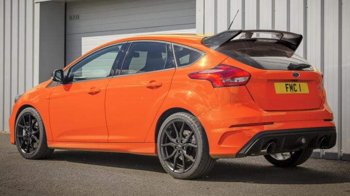 based_on_rs_edition_with_unique_deep_orange_exterior_body_colour