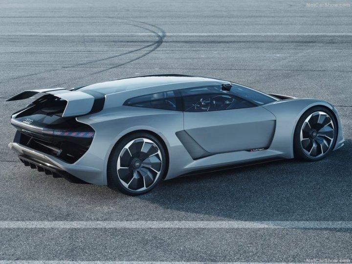 Audi-PB18_e-tron_Concept-2018-800-09