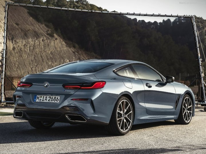 BMW-8-Series_Coupe-2019-800-0a