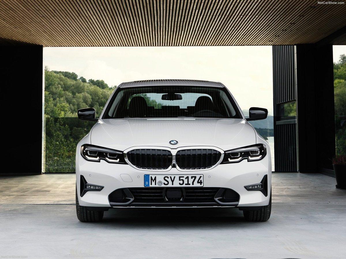 Estrada - BMW 330e & BMW M340i XDrive, os opostos da nova geração G20