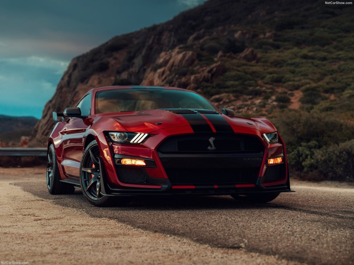 "Estrada - Mustang Shelby GT500, ""o Hellcat o quê?!"""