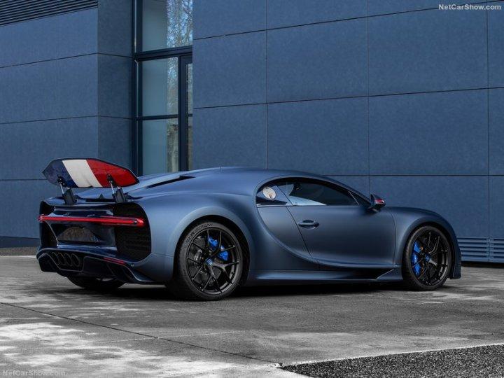 Bugatti-Chiron_Sport_110_ans_Bugatti-2019-800-03