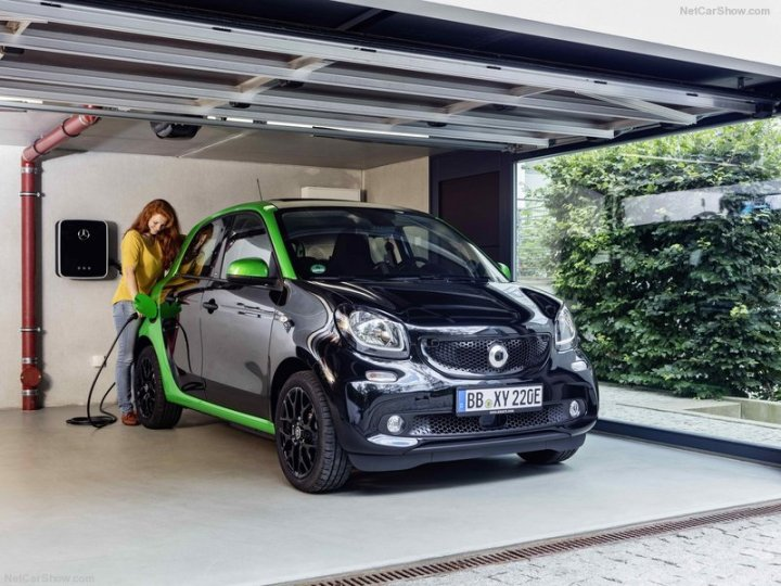 Smart-forfour_electric_drive-2017-800-04