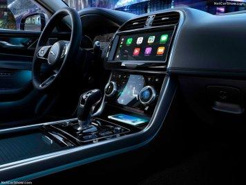Jaguar-XE-2020-800-23