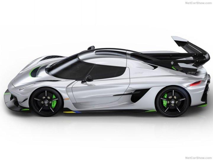 Koenigsegg-Jesko-2020-800-03