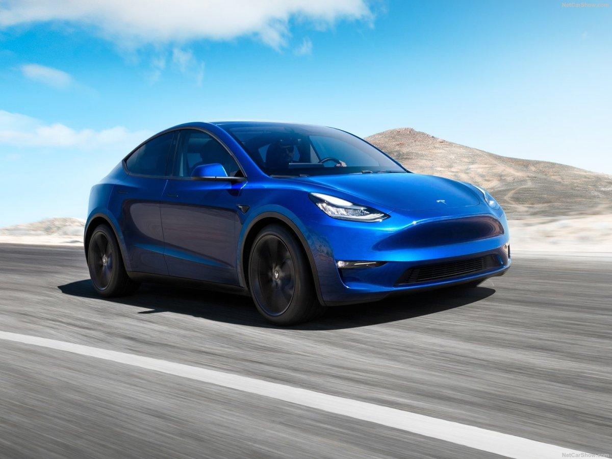 "Estrada - Tesla Model Y, o X perdeu as ""asas"""