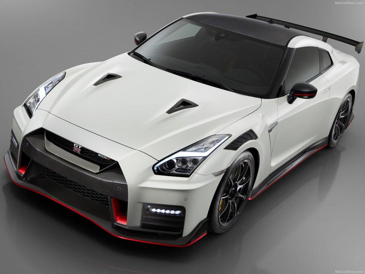 Estrada - Nissan GT-R Nismo com novas atualizações