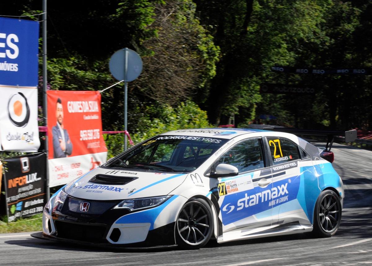 CPM - José Rodrigues leva a marca de pneus STARMAXX à vitoria na Rampa da Falperra