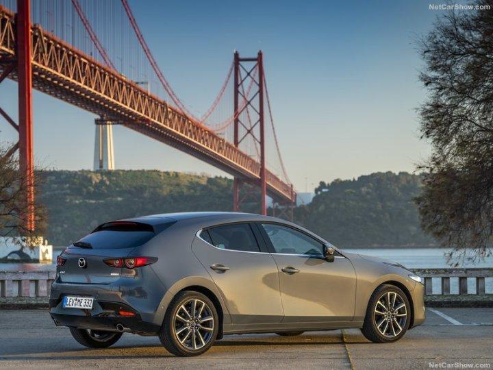 Mazda-3-2019-800-4f